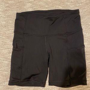 Lululemon Fast & Free short 6 inch size 4 Black
